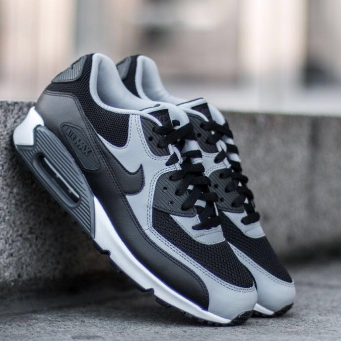 huge discount bf6d5 c0464 Air Max 90 Essential Black  Black-Wolf Grey-Anthracite, Men s Fashion,  Footwear, Sneakers on Carousell