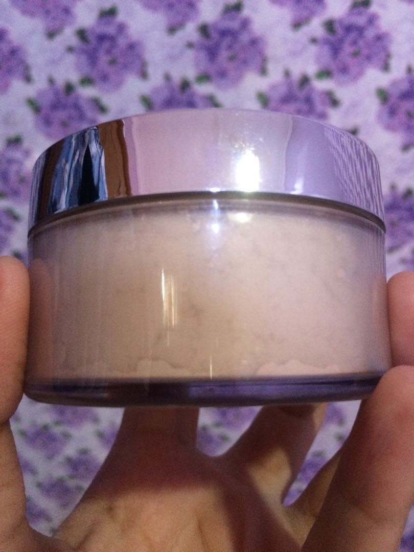 Ultima Delicate Translucent Face Powder 43gr 022 Light Daftar Ii 24g Bedak With Moisturizer Kesehatan Kecantikan Rias Wajah