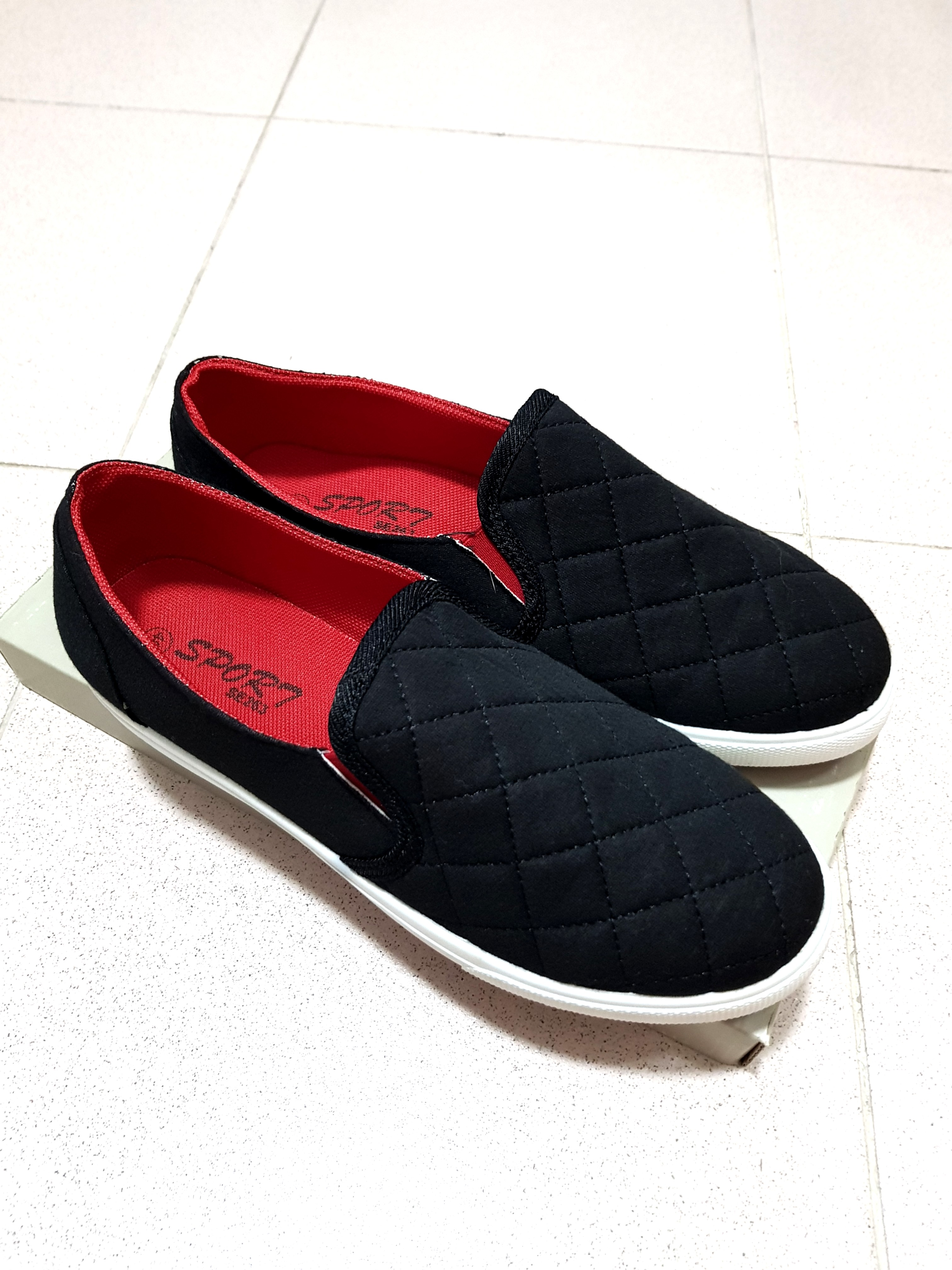 competitive price 32e98 9e035 Black Quilted Loafers