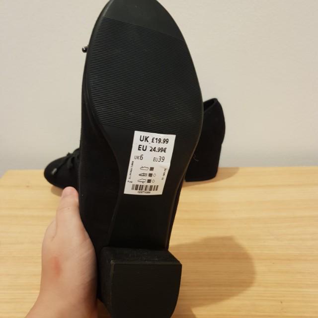 PRICE DROP ! Black thick heel