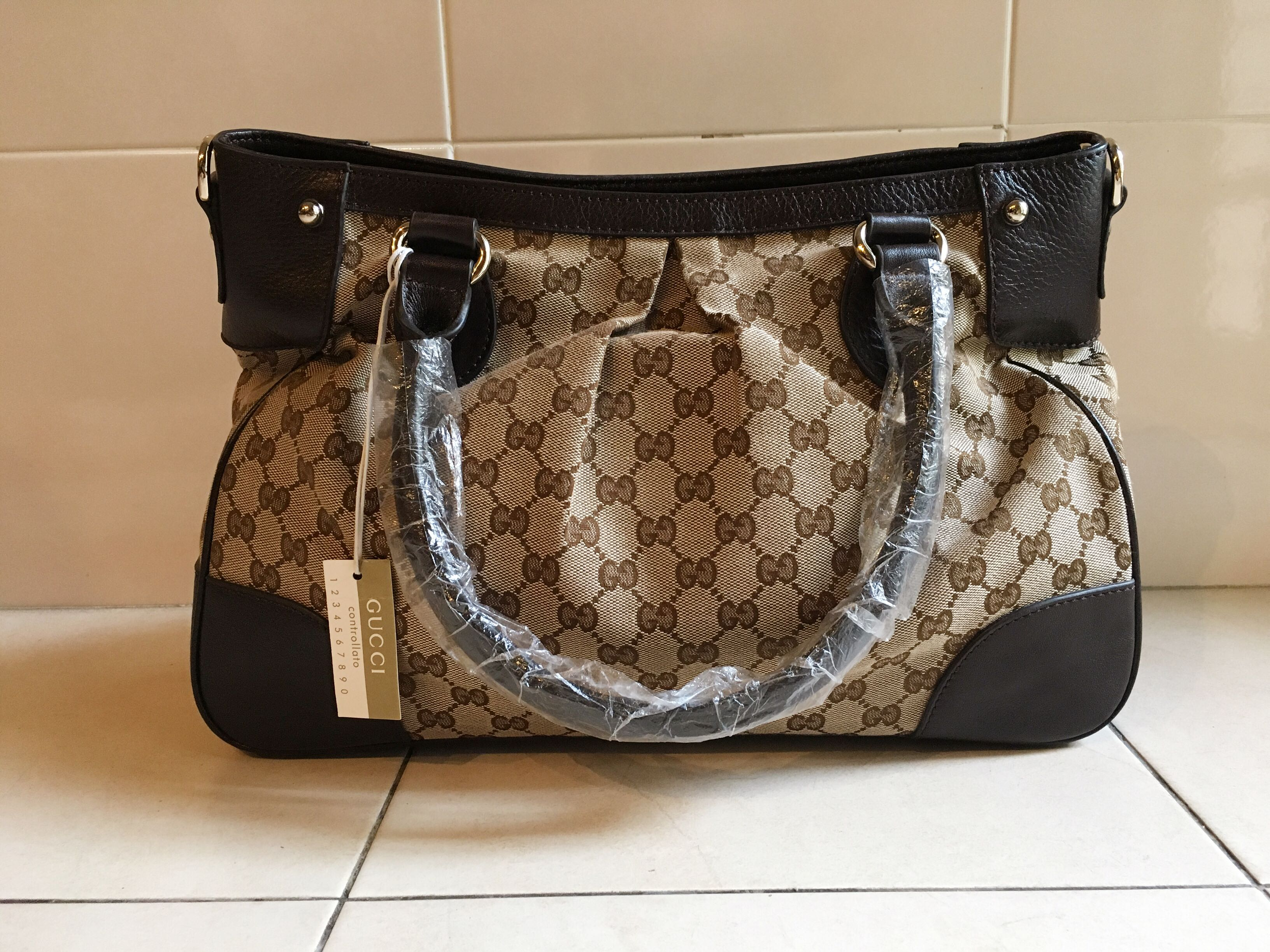 674728ece Gucci Monogram Canvas Tote Bag, Women's Fashion, Bags & Wallets on ...