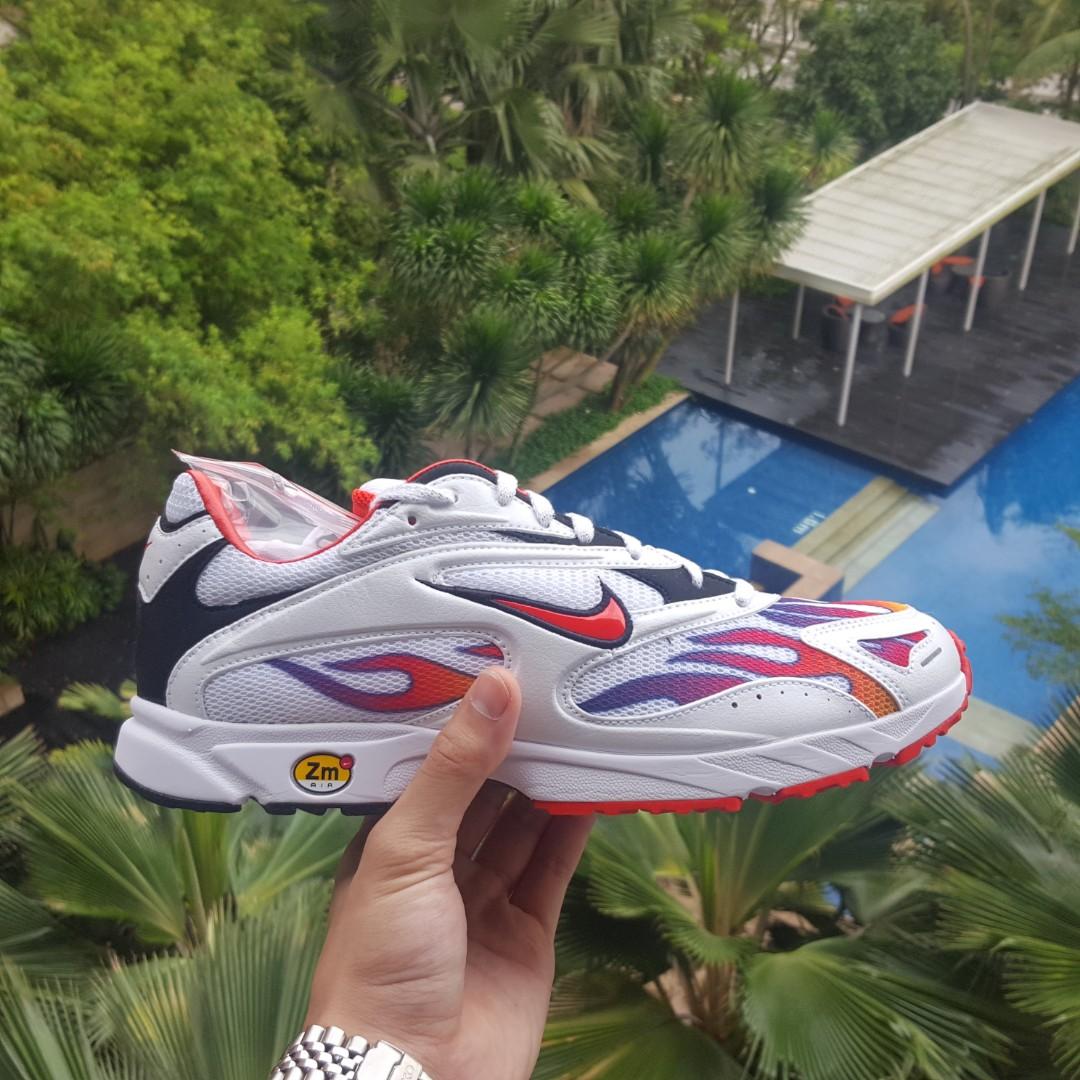 1e8868f32f47 Nike x Supreme Zoom Streak Spectrum