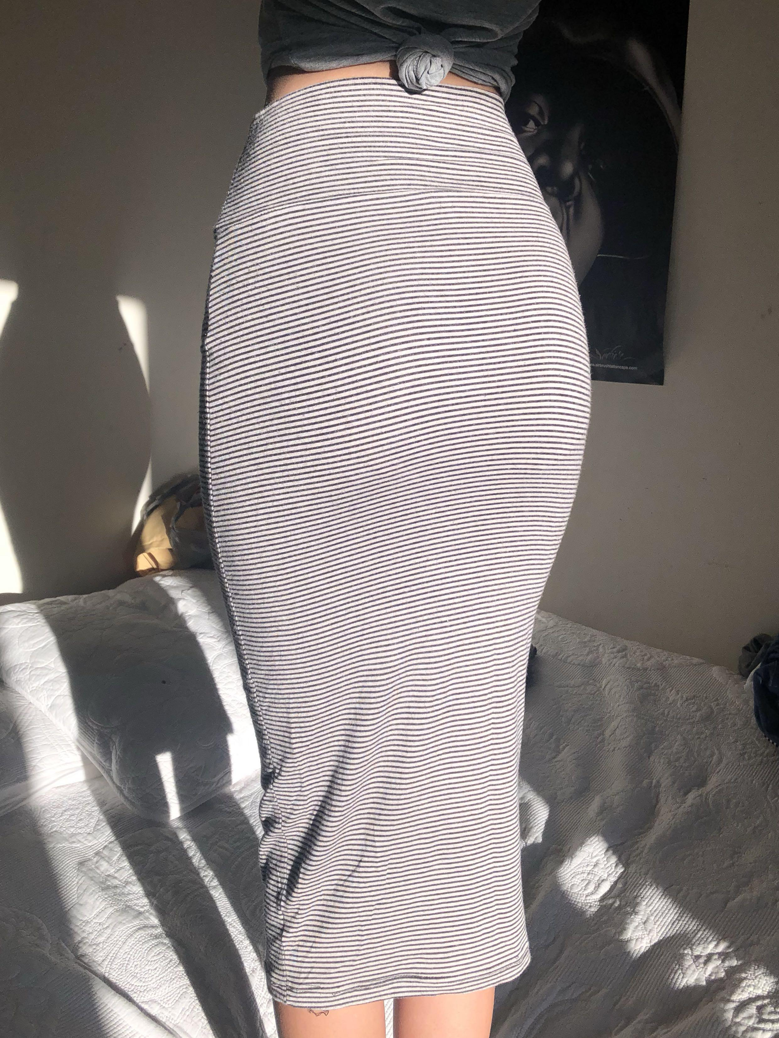 Striped Mid Pencil Skirt