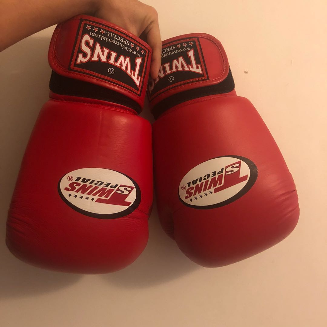 Twins Muay Thai Glove 16oz Sports Sports Games Equipment On