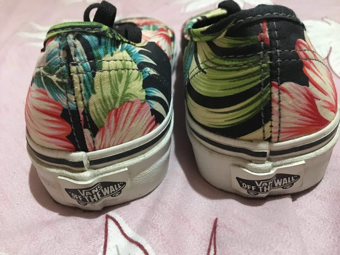 162e16467a82 Vans Authentic Hawaiian Floral Skate Shoes