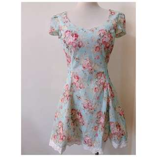 ❀☪︎ ᴋᴏʀᴇᴀ 正韓貨  好質感 碎花蕾絲洋裝