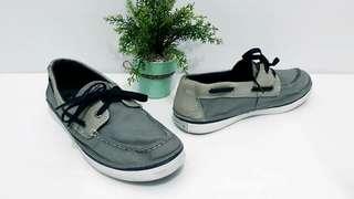 Sperry sepatu