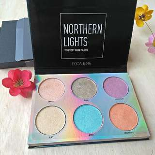 [NEW] Focallure Northern Lights Symphony Glow Hilighter Palette