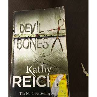 🚚 Devil Bones Novel by Kathy Reichs