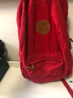 Cotton on Backpack 🎒 紅色輕身背包
