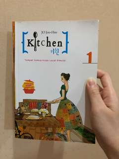 Buku novel Kitchen 1