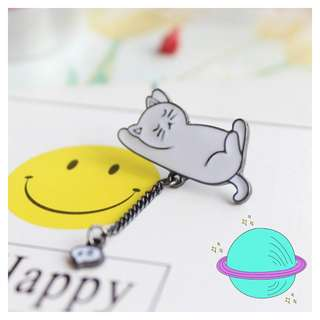 🚚 sleepy cat pin