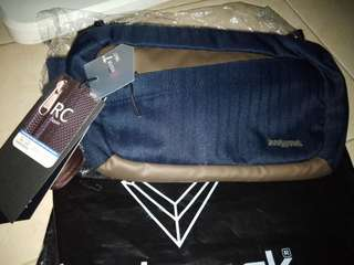 Dijjual tas pinggan pria bodypack masj baru