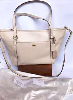white coach bag ORI