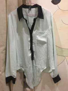Forever 21 long sleeved shirt