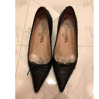 Chanel snakeskin shoes size 37
