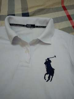 Kaos Berkerah Merek Polo Warna Putih, Size S, LD.41cm, Panjang 54cm. Kondisi 90%. Sesekali Pakai. No Defect.