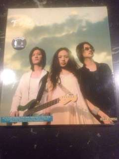 F.I.R. Taiwanese Pop Rock Band 2004 CD & Lyrics booklet (collector item)