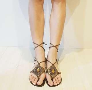 🚚 Flair/金色/波希米亞/羅馬/綁帶/低跟/夾腳/涼鞋/9號