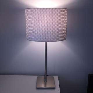 White bedside lamp - Metal Base