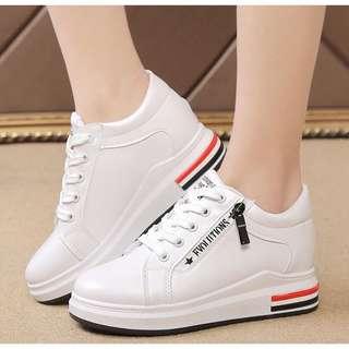Korean women's shoes on hand