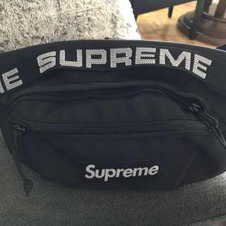 Supreme Fanny pack 💯 % authentic!!!!!!