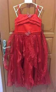 Gaun Merah Anak
