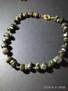 Chakra irregular stone necklace choker type