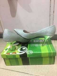 MNA Silver Shoe
