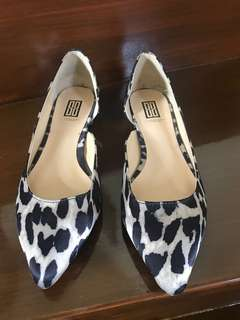 Signature by Shoedazzle bought in the US (used once)