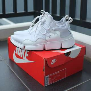 Nike pocketknife dm full white size 42.5 original