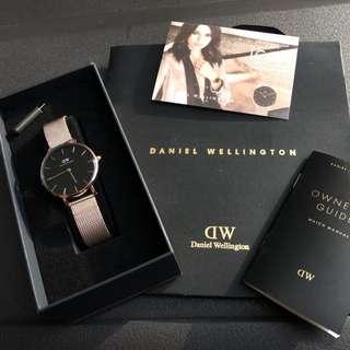 100% ORIGINAL GUARANTEE Daniel Wellington Classic Black Petite ( COD AVAILABLE & FAST DELIVERY )