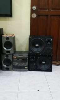 For sale Pioneer Stereo +  300w 2 speaker