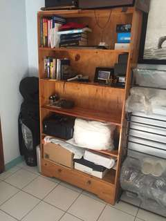 Shelves organizer