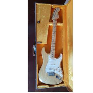 FENDER STRATOCASTER - AMERICAN STANDARD (Made in USA)