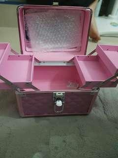 Box Makeup Masami Shouko Warna Pink Silver
