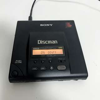 vintage Sony Discman D-303 portable CD player DBB Japan version good working condition