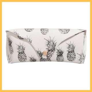 H&M: Glasses Case in White Pineapple Print