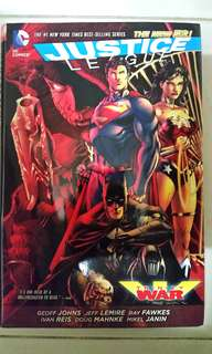 DC COMICS THE NEW 52 JUSTICE LEAGUE TRINITY WAR HARDCOVER