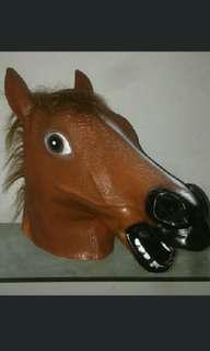 🚚 Horse head mask