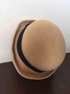 Bowler hat / topi bulat