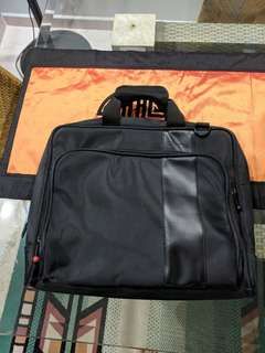 ThinkPad Professional Laptop Bag - 15'