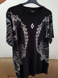RARE Marcelo Burlon Bove. Size M fit to L