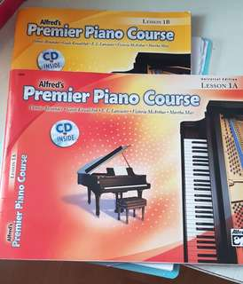 Alfred's Premier Piano course 1A n 1B