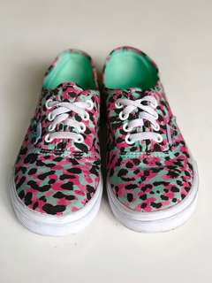 Vans Canvass Sneakers for Girls