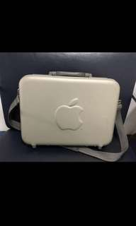 Vintage/ Collectable: Rare Apple Macintosh Briefcase