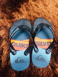 Kids authentic Quicksilver slippers