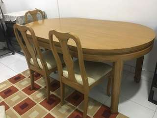 Dining table 6 seater (solid wood)