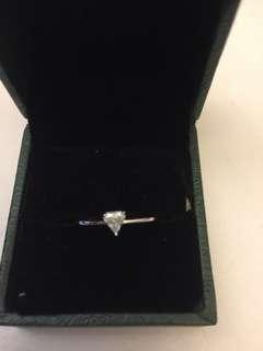 18K750鑽石戒指