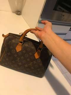 SALE!! LV Speedy 30 From Japan Not authenthic